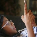 ¿A qué edad se recomienda entregar un teléfono celular a un niño(a)?